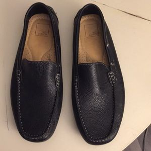 14th & Union Black Loafers